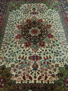 Beautiful & Original Iran Persian Isfahan Hand knotted signed by Master weaver 367x255 cm TOP Quality & Condition