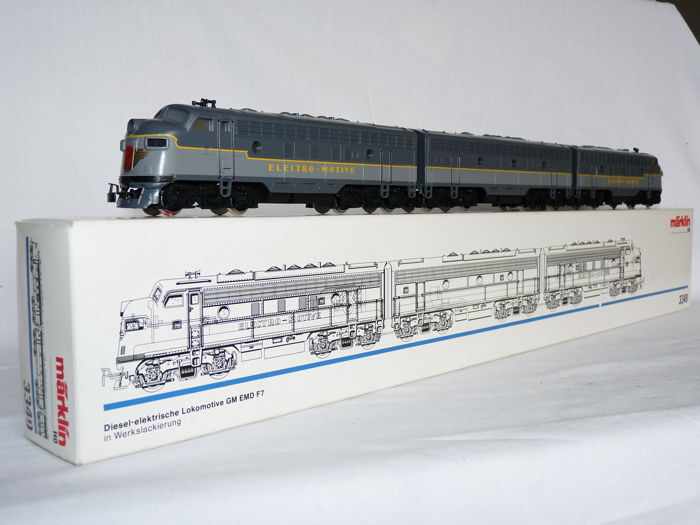Märklin H0 - 3349 - Three-piece set diesel/electric locomotive with 2 motors BR EMD F-7 and GM EMD F-7 USA