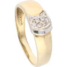14 kt – Yellow gold ring set with  8 brilliant cut zirconias in a white gold centre piece – Ring size: 18.75 mm