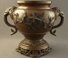 Bronze incense burner with elephant heads and a décor of birds on a branch - Japan - around 1900