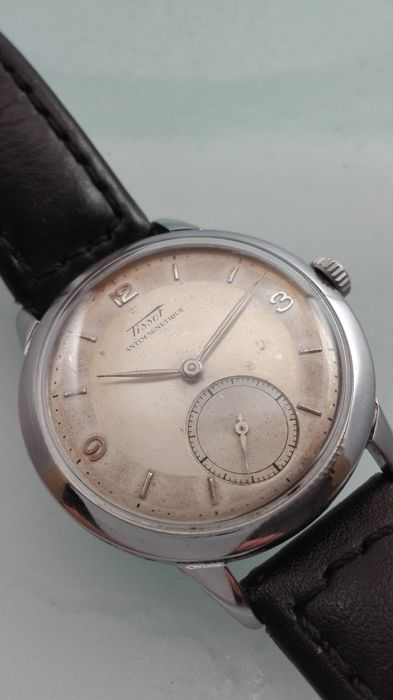 Tissot -- Men's watch -- 1940s