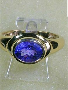 Tanzanite 2.05 carat in 585 gold