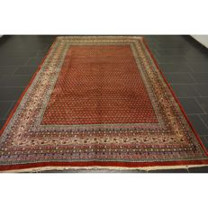 Magnificent hand-knotted Persian carpet, Sarouk Mir, 320 x 210 cm, made in Iran, great highland wool