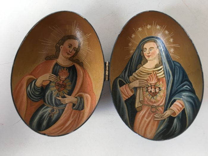Signed hand-painted egg icon that folds open, on marked sterling silver base with inscription - Russia - first half of 20th century