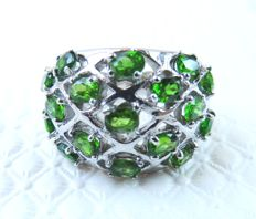 Gorgeous Silver ring with Natural Chrome Diopside