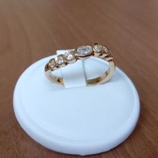 18K gold ring with diamonds ct 0,39, size 55