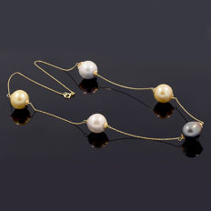 18k/750 yellow gold necklace with Tahitian pearl and  South Sea pearls – Length 49 cm ***No reserve***