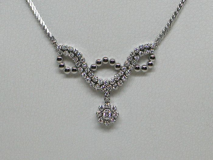 Diamond necklace total: 2,50 ct. - 18K White gold // Length: 40,0 cm.