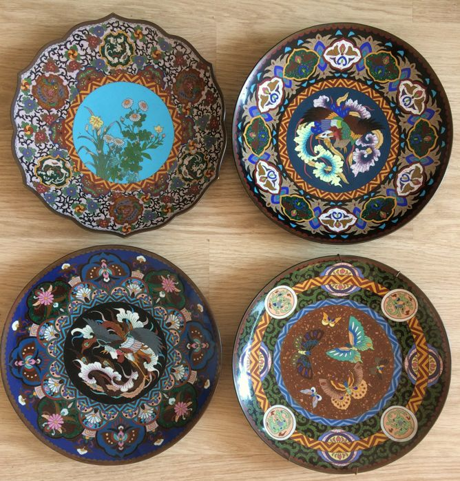A fine collection of 4 cloisonne chargers - Japan - late 19th century (Meiji period)