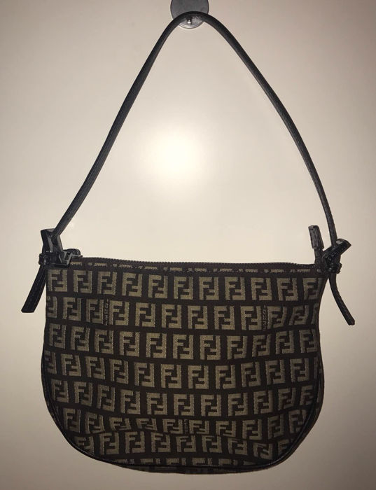 bdc01dedf122 Fendi - Shoulder bag -   No minimum price   - Catawiki