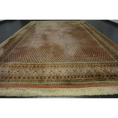 Magnificent handwoven Oriental palace carpet, Sarouk Mir, 330 x 245 cm, made in India, excellent highland wool