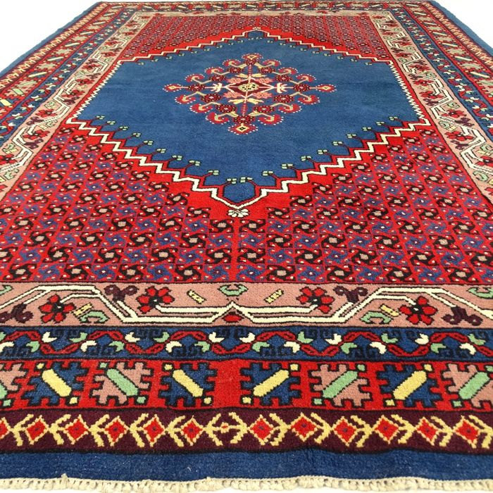 "Berber - 290 x 206 cm. – ""Oriental eye-catcher in royal blue - In nearly unused condition"" - With certificate"