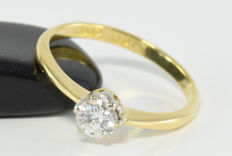 0.36 ct diamond solitaire  ring in 18 kt gold. Size 52