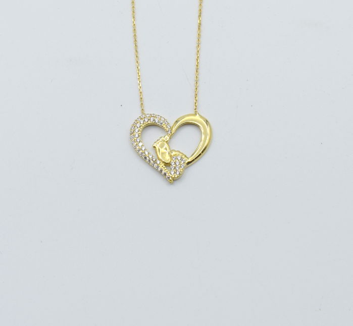 14 carat yellow gold necklace  with  Heart  pendant  zircon stone.