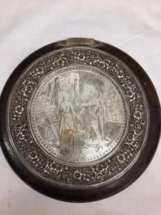 Wall plaque, silver plated metal on wood - England, ca. 1920