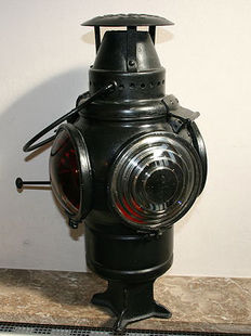 Early 20th century, signal lamp American Railroads The Non Sweating Lamp Chicago