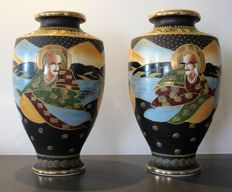 Two large Satsuma vases (Height 39 cm) - First half of 20th century.