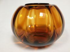 "W.J. Rozendaal for Kristalunie - Amber glass vase ""Tomaat no.2"""