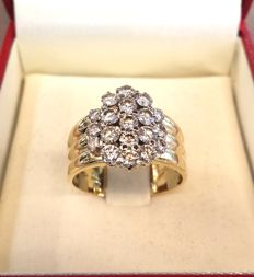 Shank ring in 18 kt yellow gold and natural diamonds totalling 1.82 ct – size: 21.5