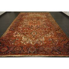 Rare, beautiful hand-knotted Persian carpet, Heriz, plant colours, 340 x 237 cm