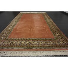 Magnificent hand-knotted Indo Qom Esfahan Isfahan silk shine 200 × 300 cm, made in India