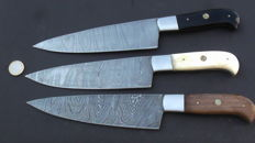 Set of three handmade Damask knives - 200+ layers Damask steel - Handle made of horn, walnut and camel bone
