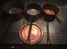 Lot of 3 pans in copper and a rare advertising tray flandria