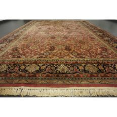 Magnificent handwoven Indo Qom Esfahan Isfahan silk shine 345 × 245 cm, made in India