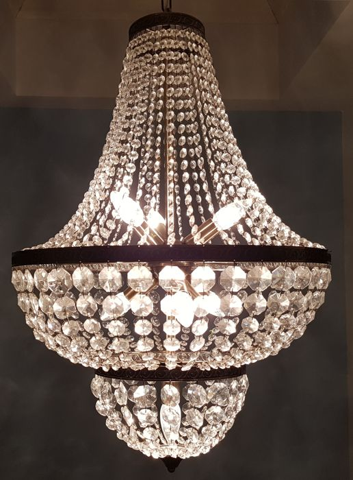 Crystal chandelier from the late 20th century.