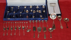 Collection consisting of 43 silver cutlery items