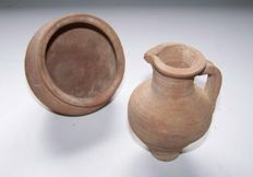 2 pieces of Roman pottery: cup and jug - 5 and 7.5 cm