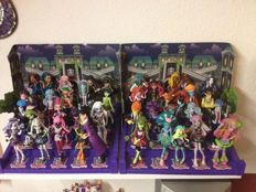 40 Figurines Monster High