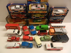 Corgi Toys - Scale 1/36-1/43 - Lot with 25 models: Ford Escort en Transit, Revopax, Morris, Chevrolet, Camaro, Porsche, BMW, Jaguar and two buses.