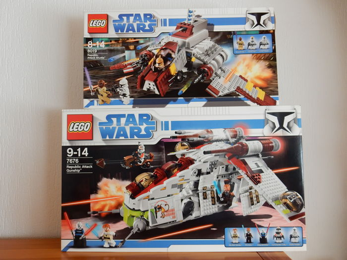 Star Wars - 7676 + 8019 - Republic Attack Gunship + Republic Attack Shuttle