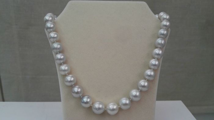 Necklace of Australian Pearls, size 11-14 mm. 50 cm