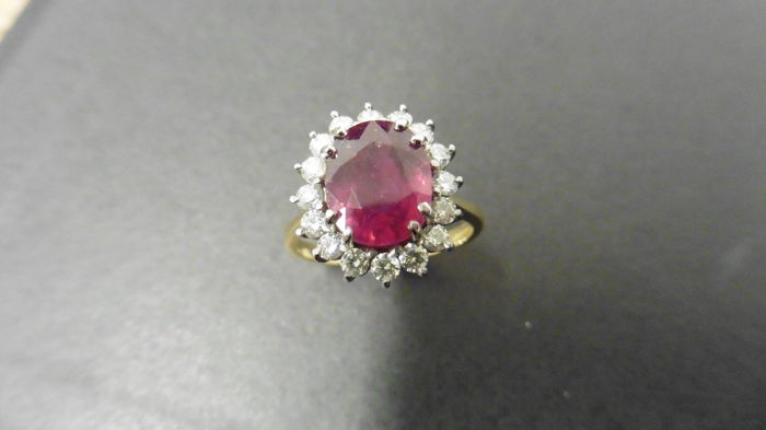 18k Gold Ruby and Diamond Cluster Ring - size M EU 52