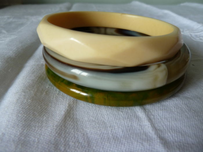 Lot of 3 tested Bakelite bracelets