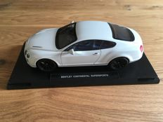 Welly - Scale 1/18 - Bentley Continental Supersports - White
