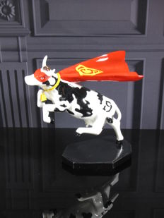 CowParade - Super Cow - Tao Labossiere
