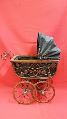 Nicely processed nostalgic doll carriage - 20th century