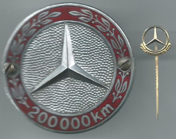 Mercedes 200 000 Km Badge And 200 000 Km Silver Plated Pin