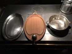 Lot of a cutting board and 2 flat silver plated