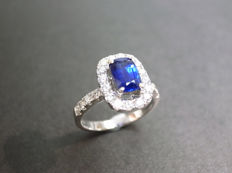 Sapphire and diamond ring, 0.65 ct sapphire and 0.45 ct diamond