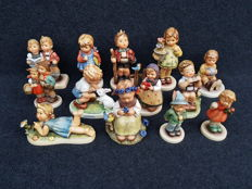 Lot with 13 Hummel sculptures (including 7 exclusive editions) - M.I. Hummel for Goebel