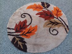 French rug made by Belot in 1968 -- round, diamter: approx. 108 cm