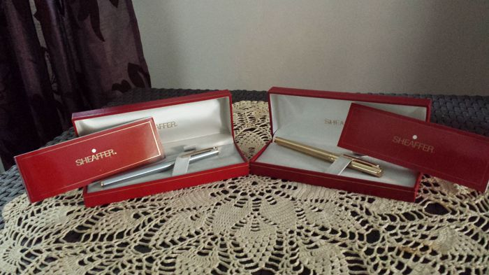 Gorgeous Lot of 2 Gold Plated and Chrome Sheaffer Fashion Model Fountain Pens 18 Carat Gold Plated Nibs