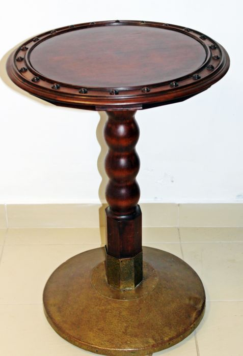 Wiener Werkstätte-style oak sidetable with hammered brass foot