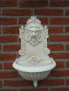 Heavy ornamental cast iron wall fountain antique colour white