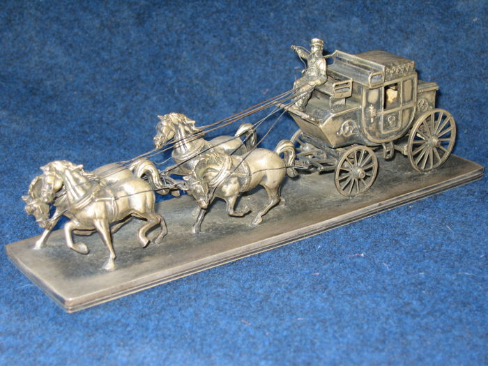 Silver stagecoach with 4 horses - Italy, first half of the 20th century