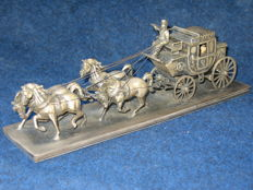 Silver stagecoach with 4 horses (Italy) - First half of the 20th century